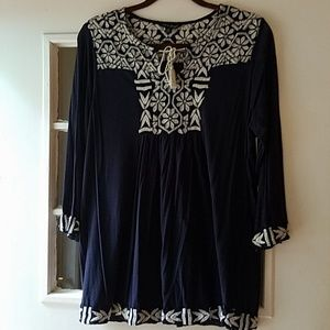 Lucky Brand knit top with embroidery